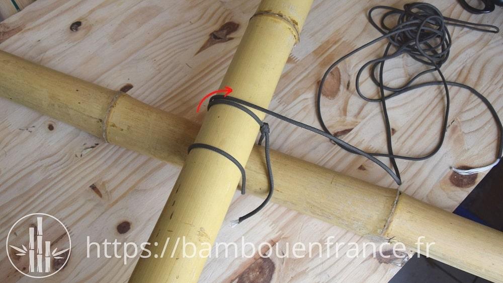 Assembler des bambous avec un brêlage: Etape 4