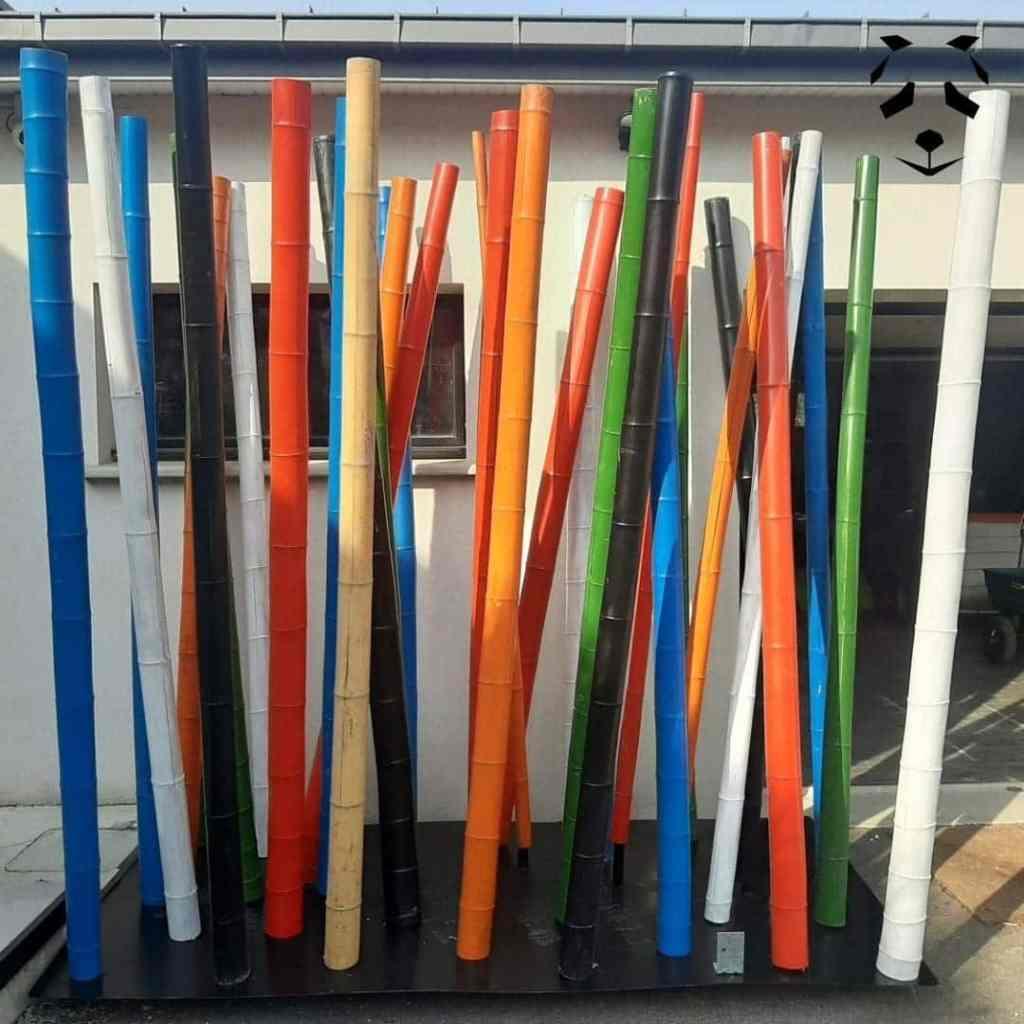 Cannes de bambou de toutes les couleurs pour l'extérieur