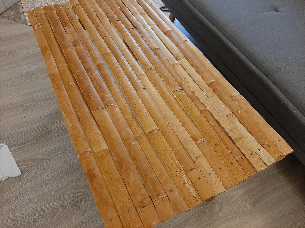 Dessus de la table en bambou
