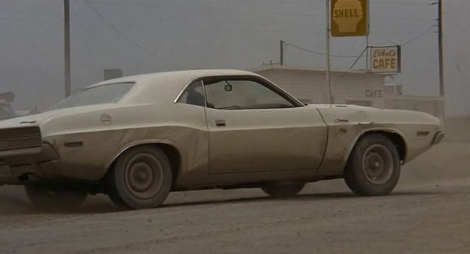 The first actual stunt seen in Vanishing Point was performed by star Barry Newman.