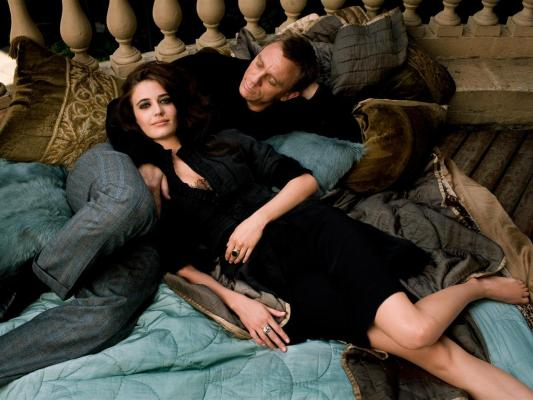 Craig wore the same trousers during this photo shoot with Eva Green.