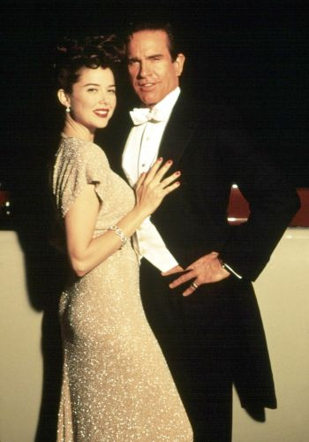 Warren Beatty and Annette Bening in Bugsy (1991)