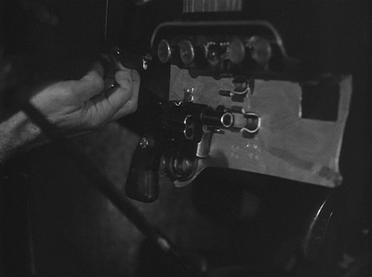 Marlowe keeps a Colt Detective Special handy in his Plymouth.