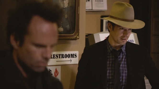"""Raylan sports his famous hat in """"The Spoil"""" (Episode 2.08)."""
