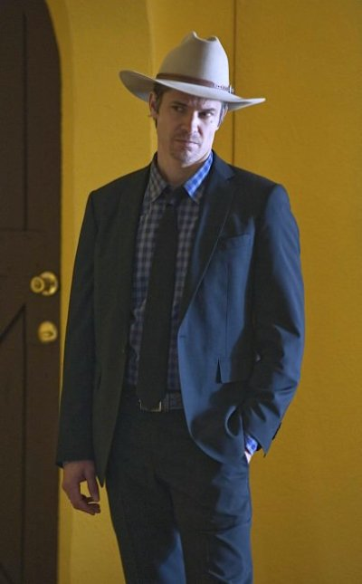 "Timothy Olyphant as Deputy U.S. Marshal Raylan Givens on Justified (Episode 1.03, ""Fixer"")."
