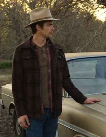"Timothy Olyphant as Deputy U.S. Marshal Raylan Givens on Justified (Episode 2.13: ""Bloody Harlan"", 2011)."