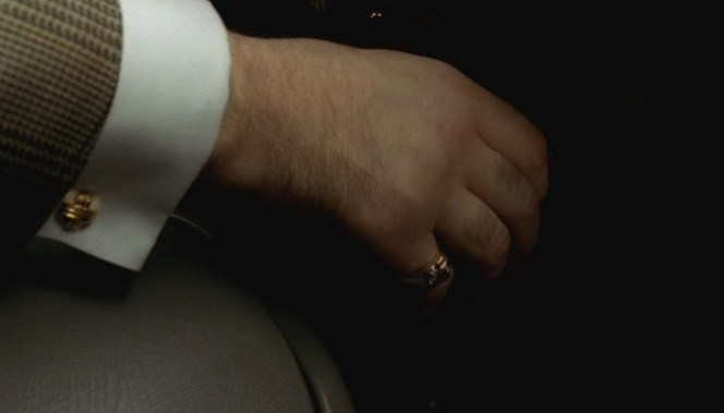 "Tony's right cuff link as seen in ""Mergers and Acquisitions"" (Episode 4.08)."