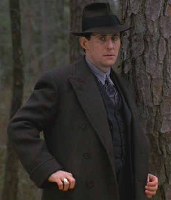 Gabriel Byrne as Tom Reagan in Miller's Crossing (1990)