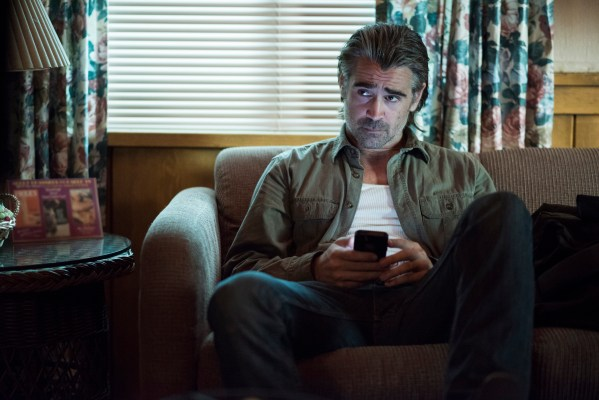 """Production photo of Colin Farrell in """"Black Maps and Motel Rooms"""" (Episode 2.07)"""