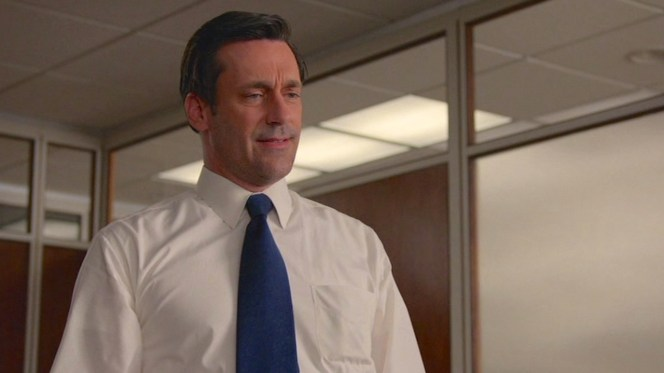 """Back to basics with a white shirt and navy tie in """"The Forecast"""" (Episode 7.10)."""