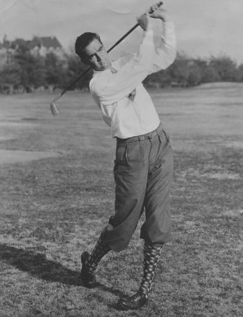 The real Howard Hughes was indeed a golf enthusiast, as seen in this 1930s photo, so it makes sense that his hobby would be depicted on screen.