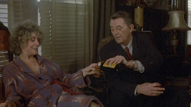 Sylvia Miles and Robert Mitchum in Farewell, My Lovely