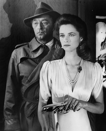 Robert Mitchum and Charlotte Rampling in Farewell, My Lovely (1975)