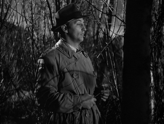 Robert Mitchum in Out of the Past (1947)