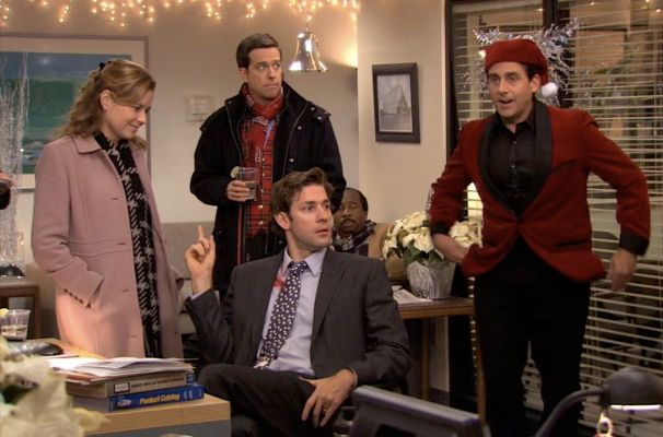 "Jenna Fischer, Ed Helms, John Krasinski, Leslie David Baker, and Steve Carell in ""Classy Christmas"", the seventh season holiday episode of The Office."