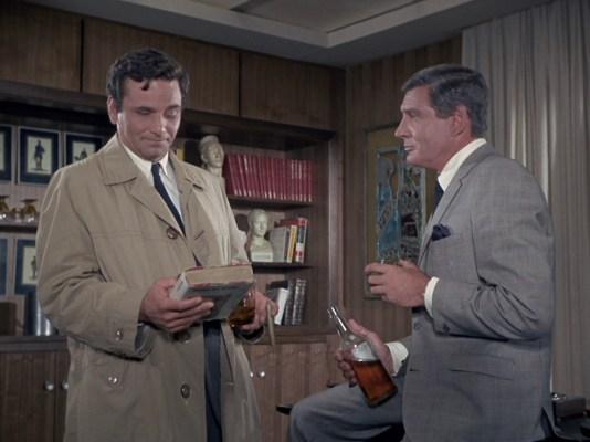 Peter Falk and Gene Barry in Prescription: Murder