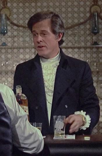 Robert Culp as Bob Sanders in Bob & Carol & Ted & Alice (1969)