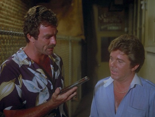 Tom Selleck and Larry Manetti in Magnum, P.I.