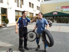 Garry removing Mark's rear tyre.