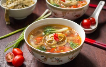 Spicy Tomato Mung Bean Noodle Soup / http://bamskitchen.com