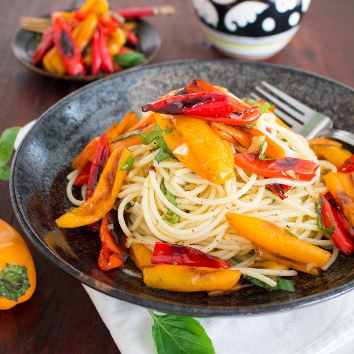 Mini Sweet Roasted Pepper Basil Pasta / http://bamskitchen.com