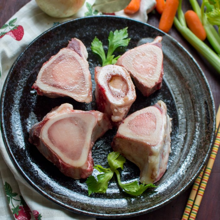 Nourishing Slow Simmered Beef Bone Broth / http://bamskitchen.com