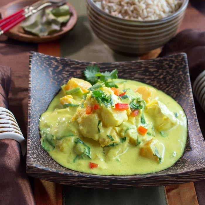 Halibut Curry in a Hurry / http://bamskitchen.com