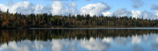 bannermoon-lake-1072122