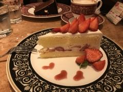 新橋いちゃキャバ・JK制服キャバクラ【ハイスクールbanana】 ゆま クリスマスケーキ