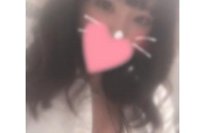 新橋いちゃキャバ・JK制服キャバクラ【ハイスクールbanana】 もえみ 1/22胸元はだけ