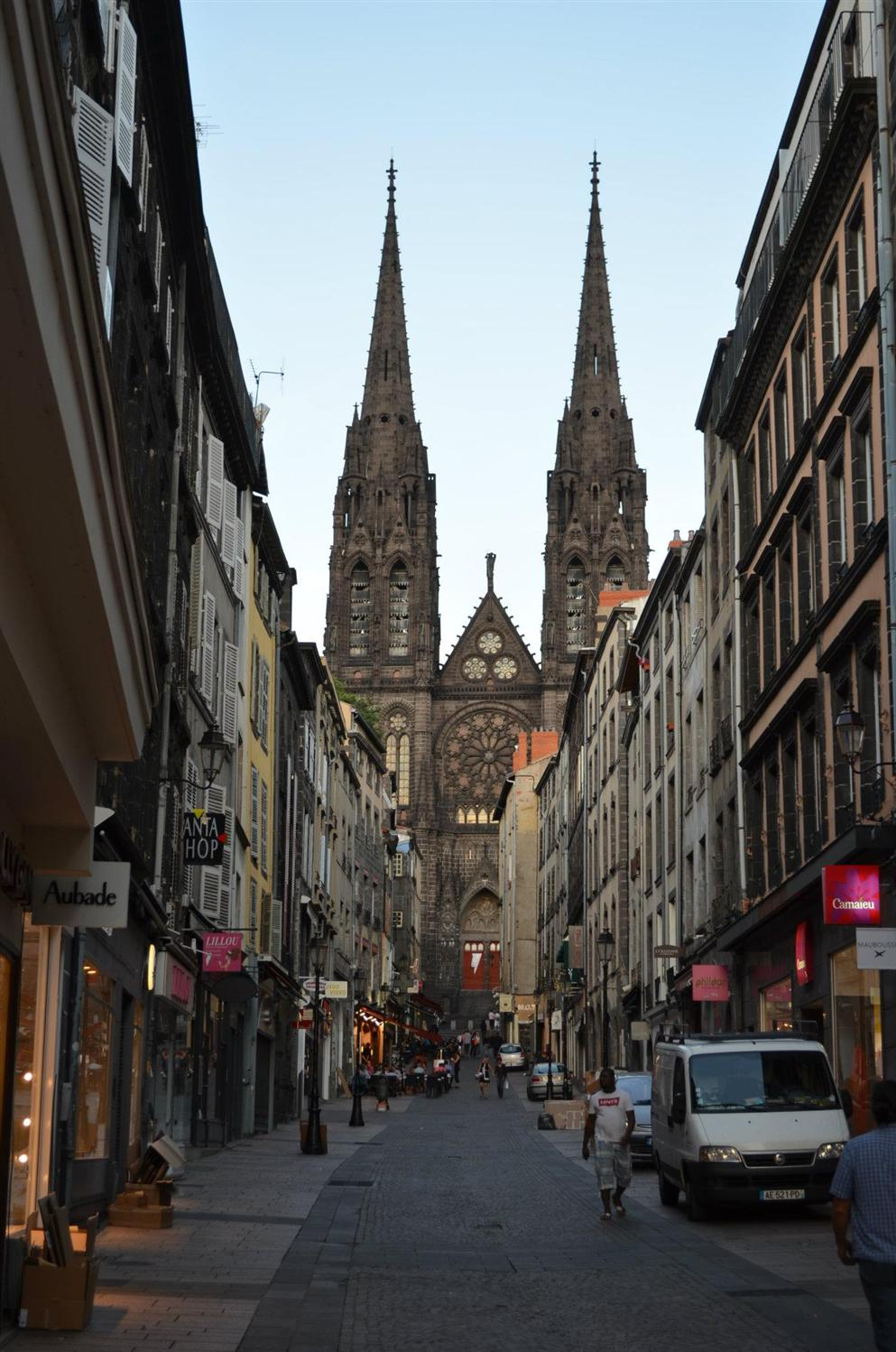 how to get to clermont ferrand annie