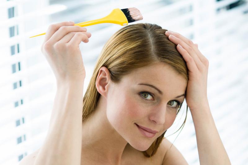 طريقة صبغ الشعر في البيت بنفسك بالخطوات بنات حوا
