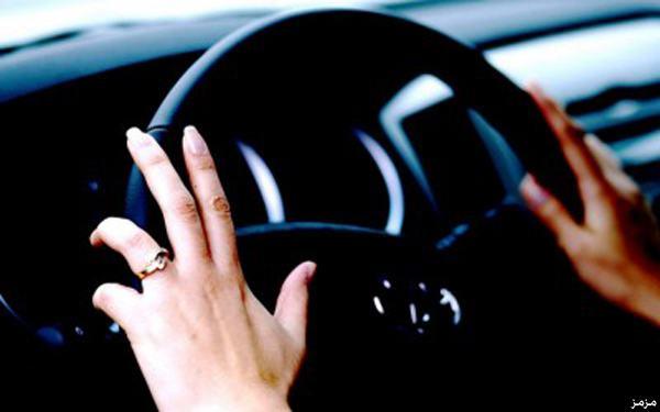 أول فنانة مصرية تقود سيارة في السعودية