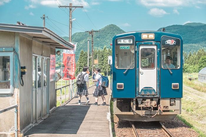 秋田爆紅景點:秋田內陸線八景、《你的名字》車站、秋田犬列車,隨手拍都是明信片美照(時刻表、交通路線