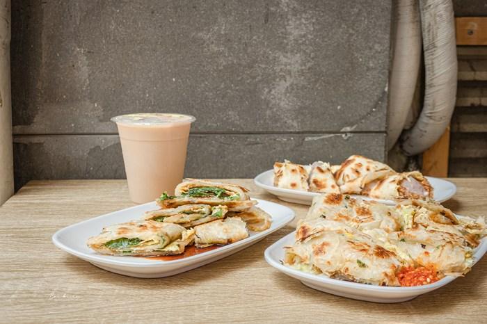 台北早餐:內湖阿桂蛋餅26種餡料超滿蛋餅、捲餅,一份抵早午兩餐/東湖美食