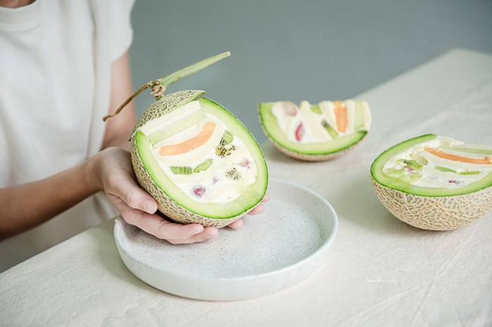 台北中山La Vie Bonbon裝在整顆哈密瓜裡的多層水果蛋糕,轉角甜點店嚐日本老闆的心意