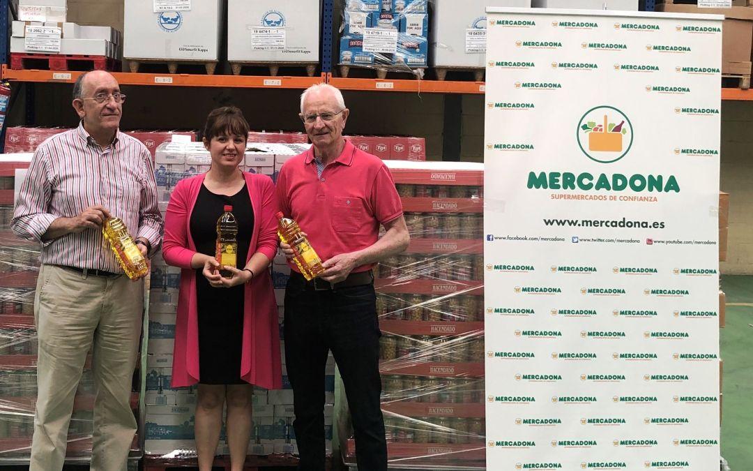 Mercadona hace una entrega extraordinaria de 3.000 kilos de productos al Banco de Alimentos de Araba.