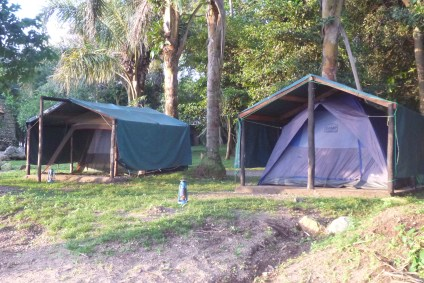 Lazy camping Plus - three covered tents just on the edge of the beach