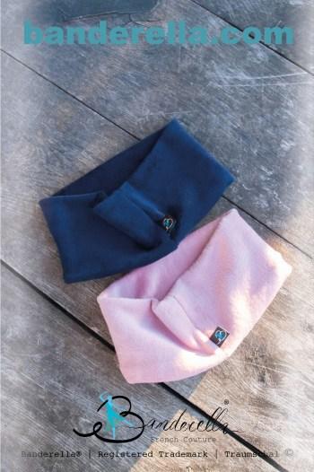 """Der warme Traumschal aus Kuschelplüsch lässt sich sowohl als Schlafmaske als auch """"Halssocke"""" verwenden."""