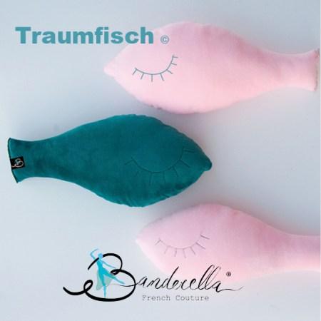 Der Traumfisch von Banderella bewahrt ein faltenloses Dekolleté uns dient darüber hinaus auch als Schmusekissen. Viel besser als sich ein paar Socken in den Ausschnitt zu stecken!