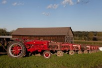 Tobacco barn with tractors (19655v)