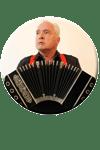 Peter M. Haas spielt Bandoneon