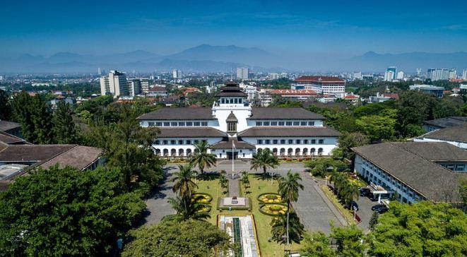 9 Ikon Kota Bandung, Gedung Sate Hingga Masjid Terapung » Bandung Aktual