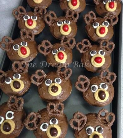 19. Reindeer Cupcakes
