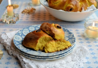 22. Saffron and Cardamom Sweet Buns