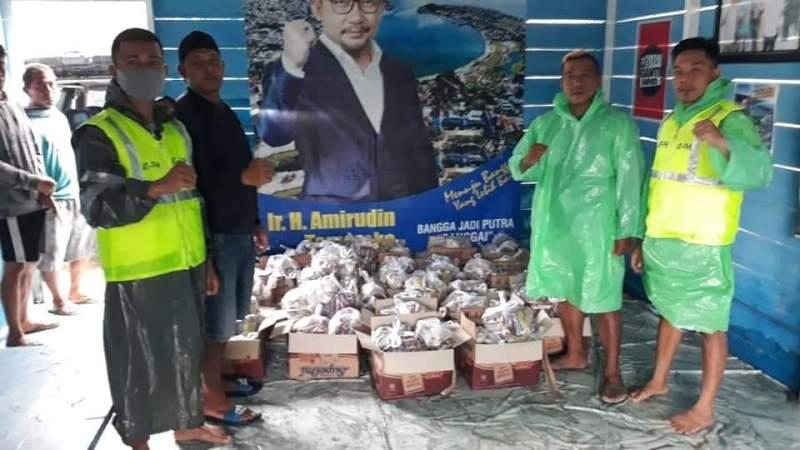 Relawan AT-FM dan Pemuda Lamo Salurkan Bantuan untuk Korban Banjir