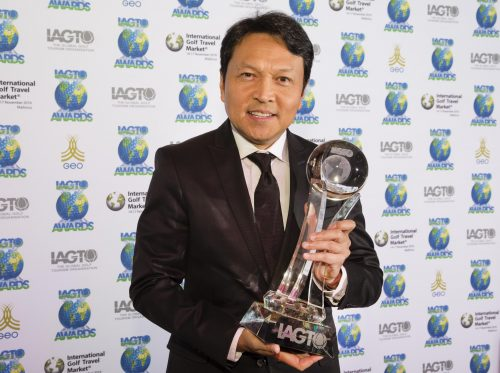 Mr. Tanes Petsuwan, TAT Deputy Governor for International Marketing (Europe, Africa, Middle East and Americas) received the award on behalf of Thailand.