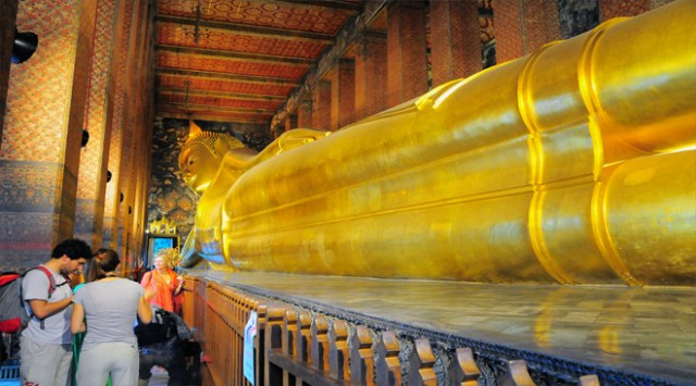 The famous Reclining Buddha at Wat Pho
