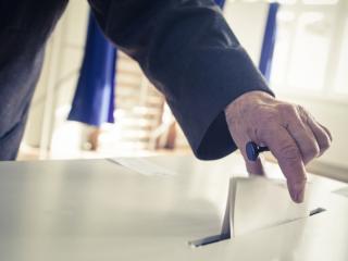 Averile candidatilor la Primaria Ploiesti: unul are patru case, altii au trait anul trecut din salariul minim