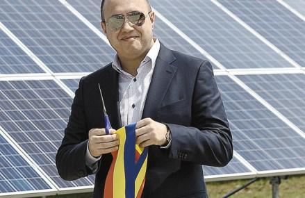 Cel mai mare jucător privat de pe piaţa de energie a încheiat 2015 cu afaceri de 700 mil euro, dar profit în scădere